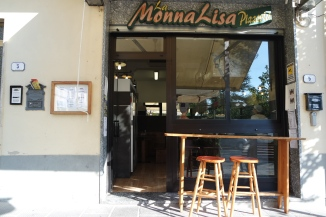 Cheap meal at Monna Lisa