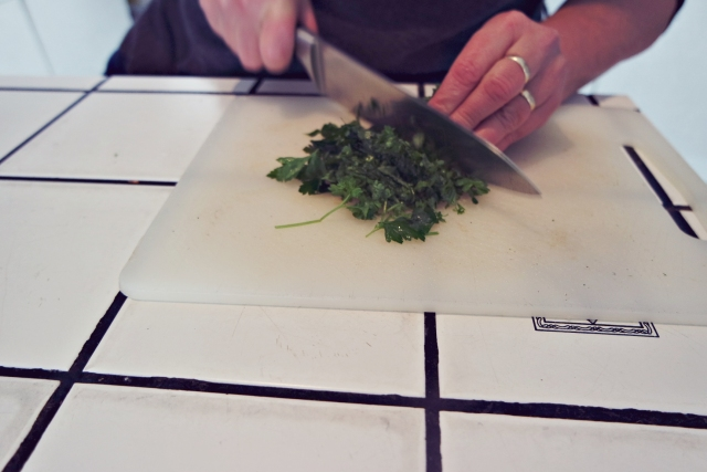 parsley chopping