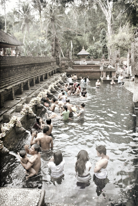 Around_Ubud_Pura_Tirta_Empul_(6985858921)